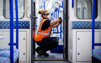 cleaning tube train