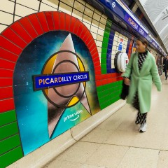 piccadilly circus platform