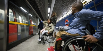 Friends using wheelchair-friendly London Bridge station